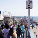 ハンティントンビーチ - ロングビーチ – ベニスビーチ - サンタ モニカビーチ & サンタモニカピア – ロサンゼルス 日帰り