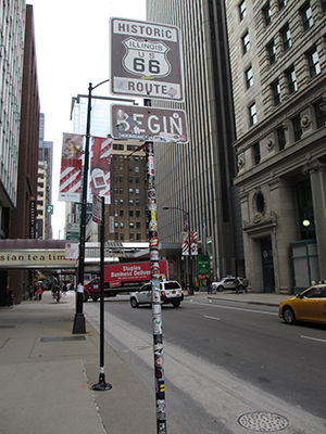 ルート66の始点 Begin Historic Route 66 Sign