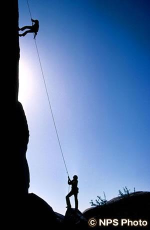 ジョシュアツリー国立公園でロッククライミング